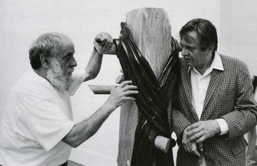 Con Caesar nella sala di scultura di Recalcati alla biennale di Venezia, 1992